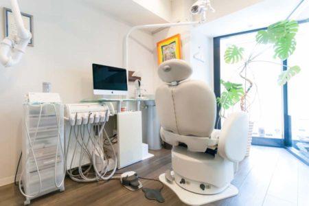 歯の削った面を保護する 接着剤がとても大切